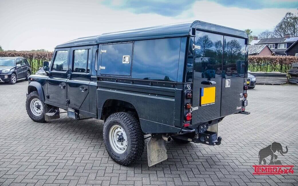 Tembo 4x4 Defender 130 hardtop for dog transport