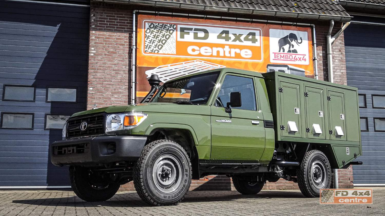 Landcruiser 70 series dog transport