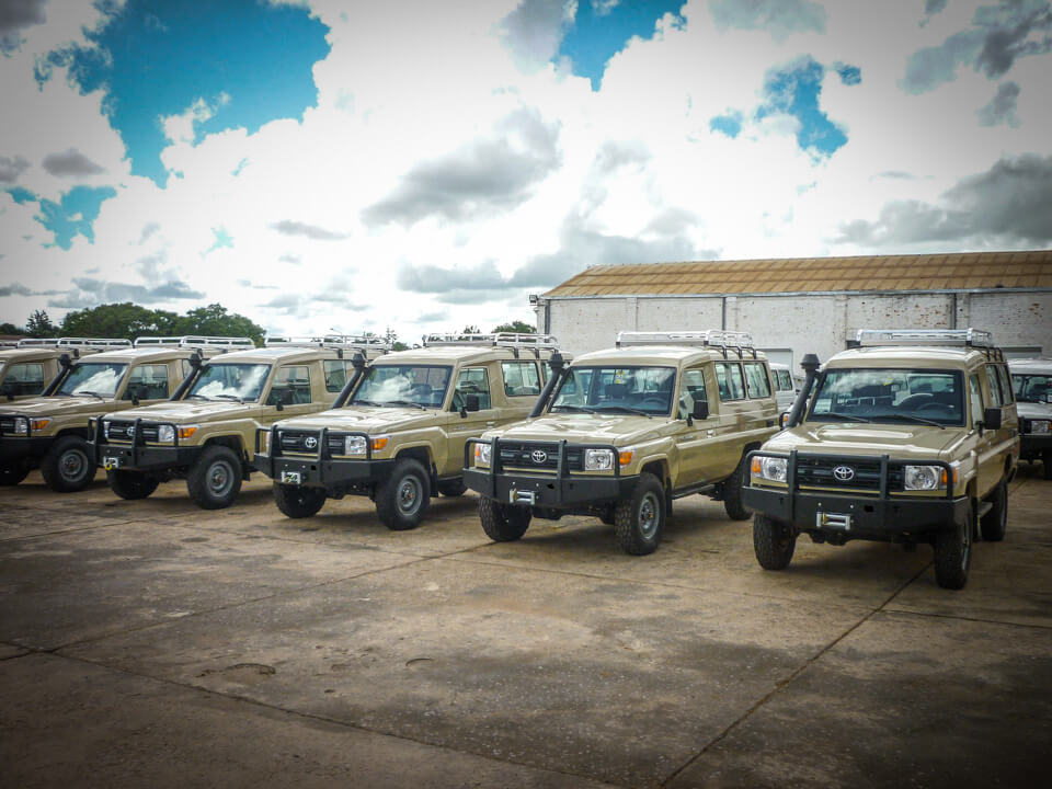 Toyota Landcruisers 70 series delivery
