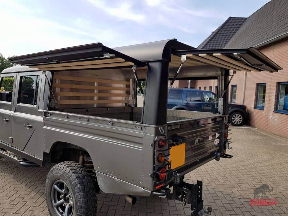 Land Rover 130 hardtop 3 kleppen